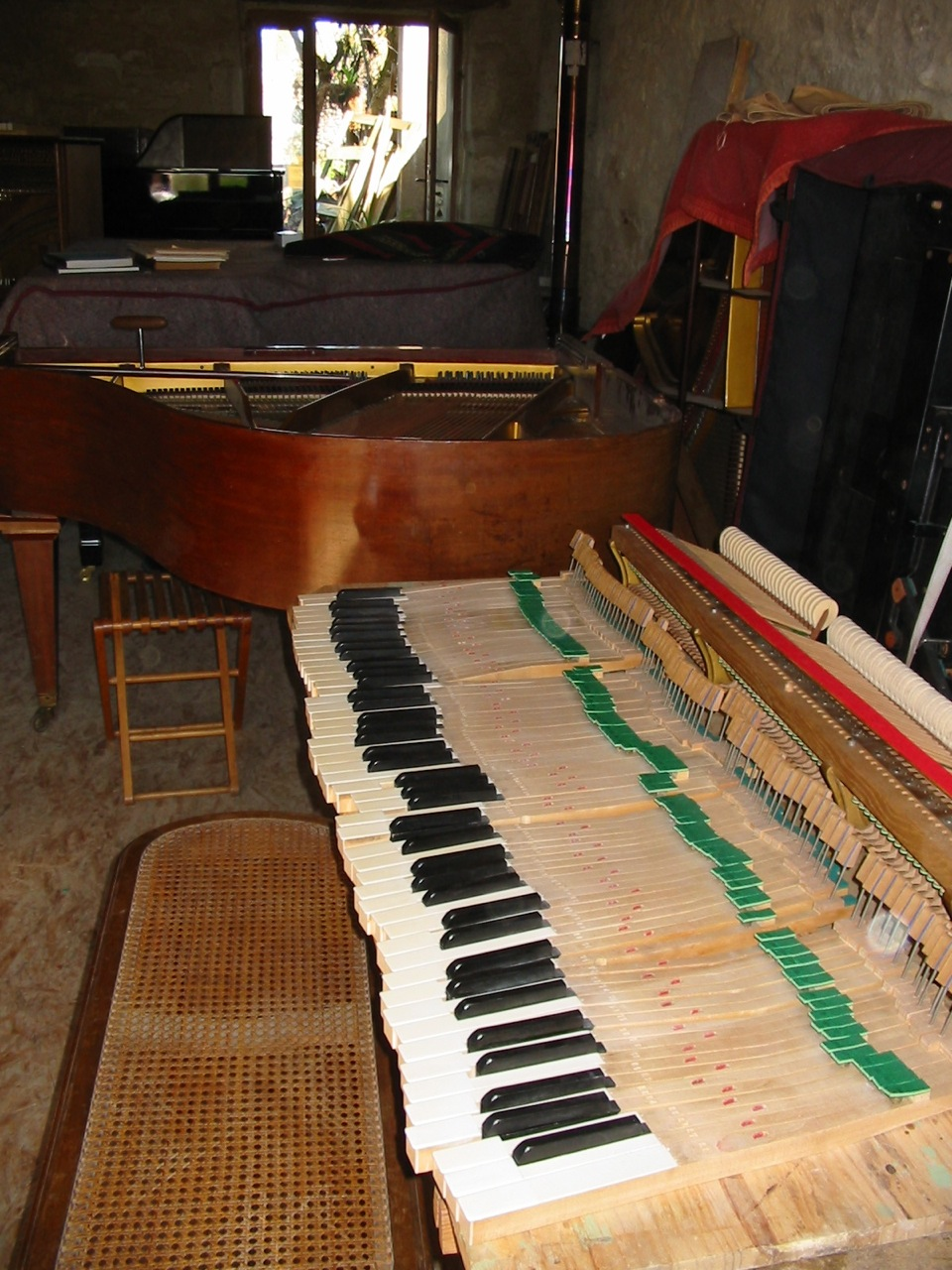 restaurateur de piano la note sensible. Black Bedroom Furniture Sets. Home Design Ideas